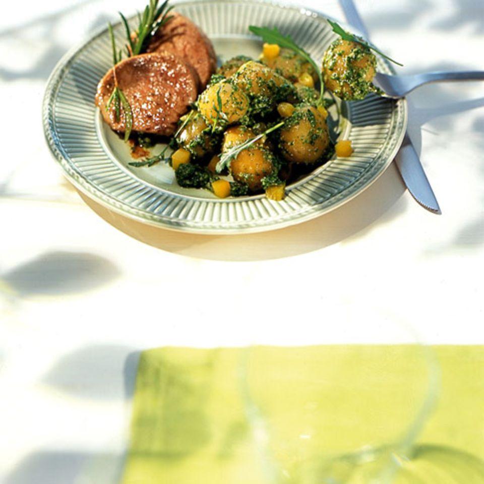 Grüner Kartoffelsalat mit Schweinefilets