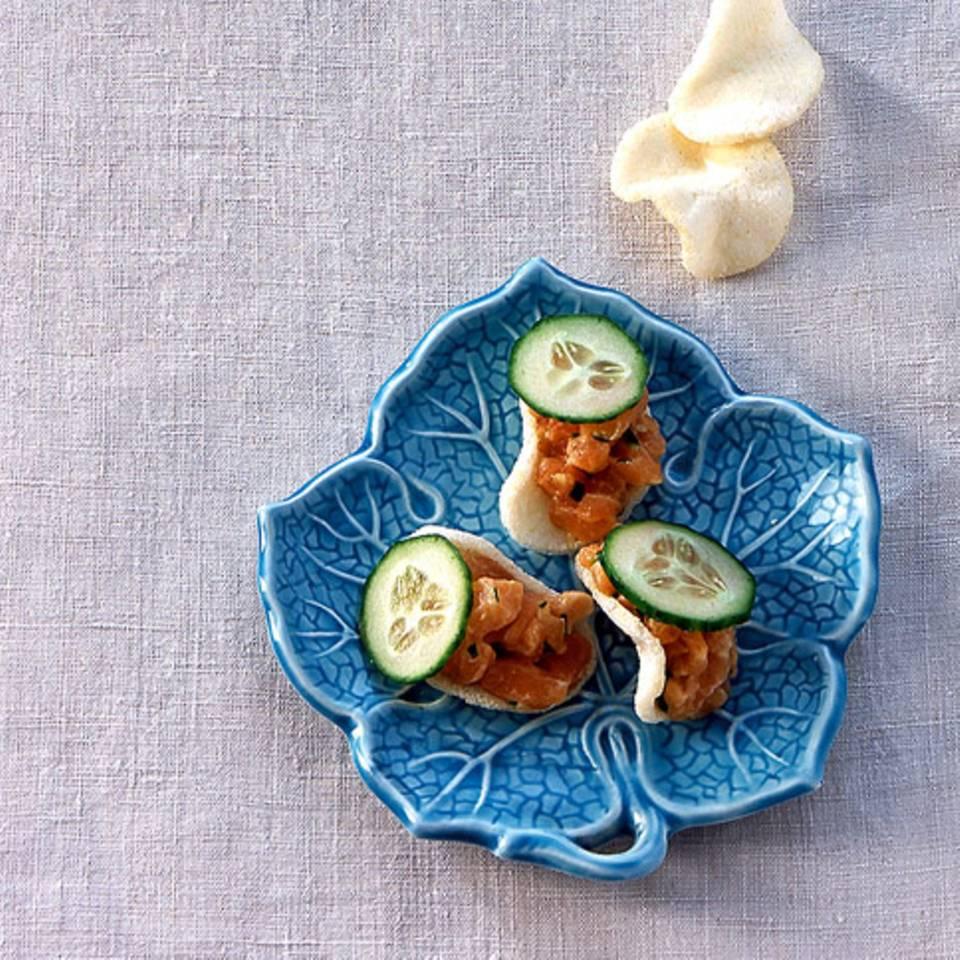 Asia-Lachstatar auf Garnelenchips Rezept