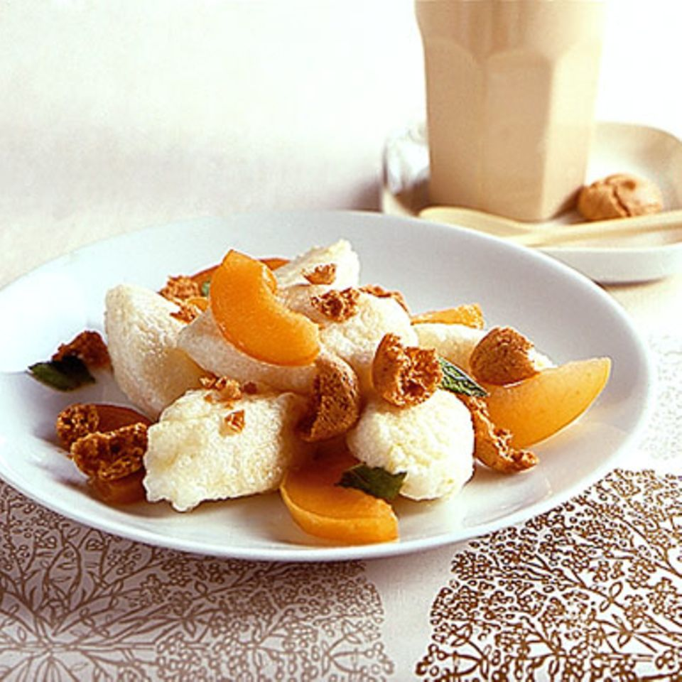 Quarkklößchen mit Aprikosen