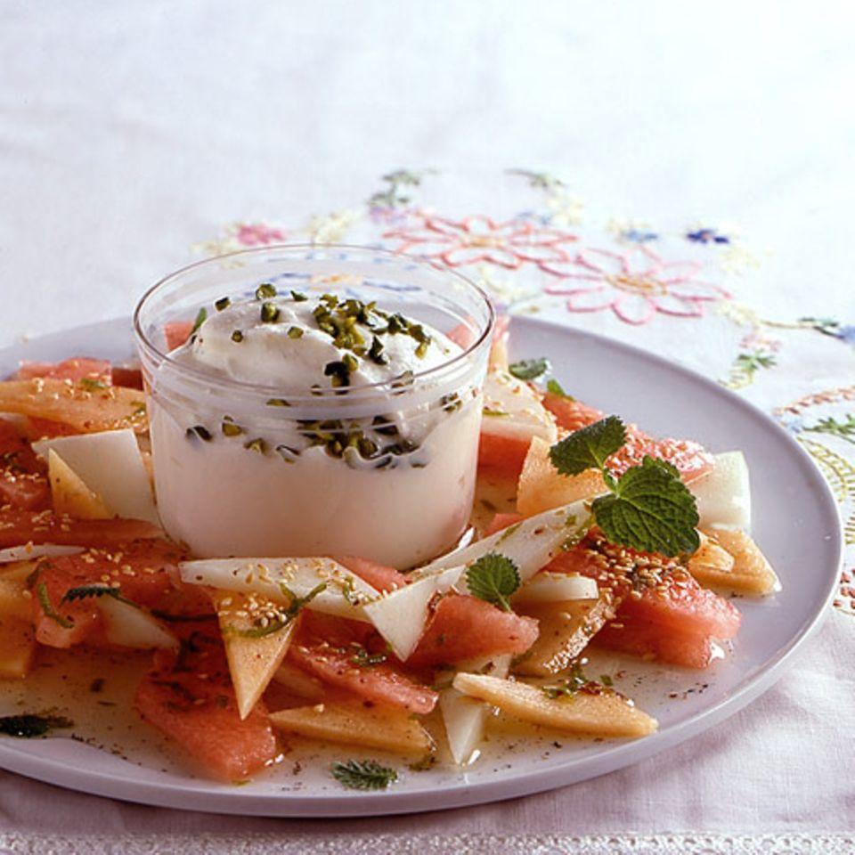 Orientalischer Melonensalat mit Honig-Ricotta