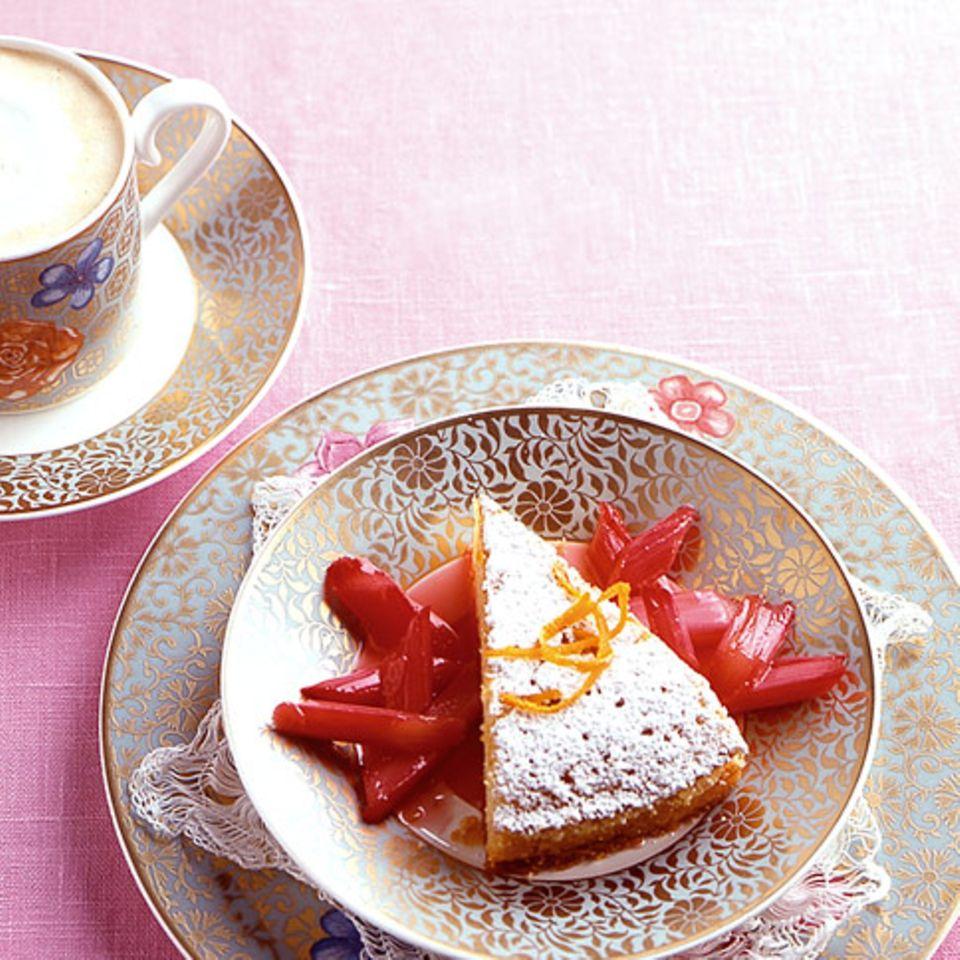 Orangen-Grießkuchen mit Rhabarber
