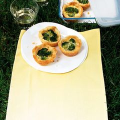 Mini-Quiches mit Brokkoli