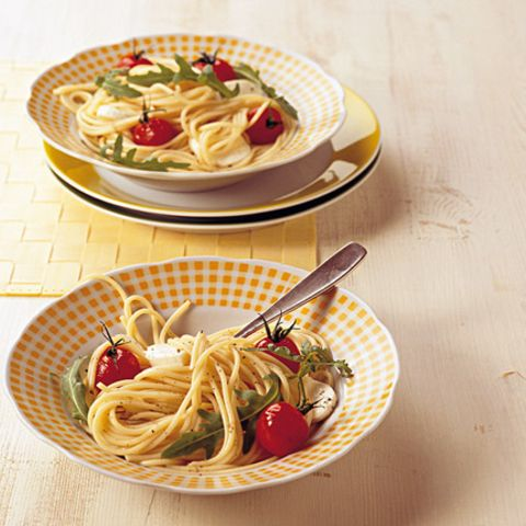 Spaghettisalat mit Mozzarella