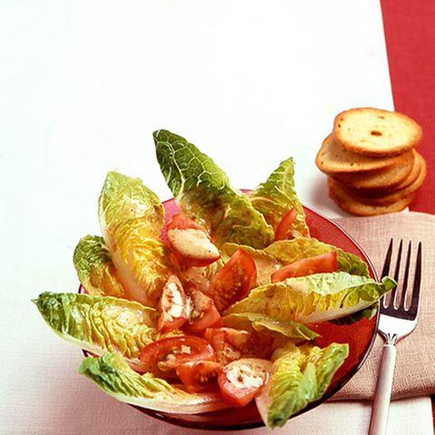 Römersalat mit Senf-Mandel-Dressing
