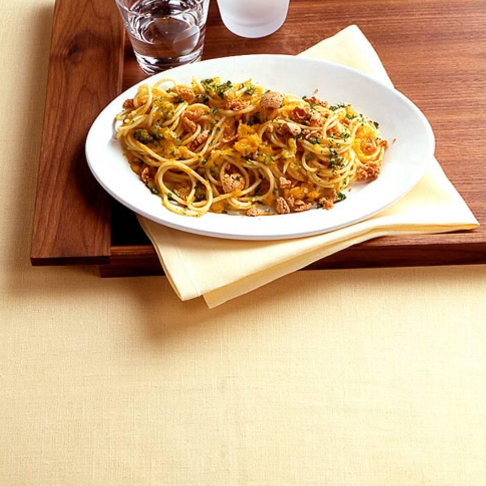 Amarettini-Kürbis-Spaghetti Rezept