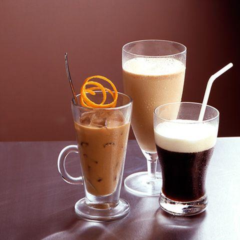 Eiskaffee mit Orange