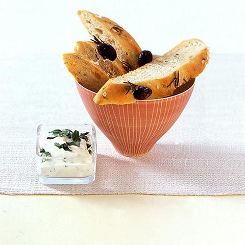 Olivenbrot mit Quarkdip