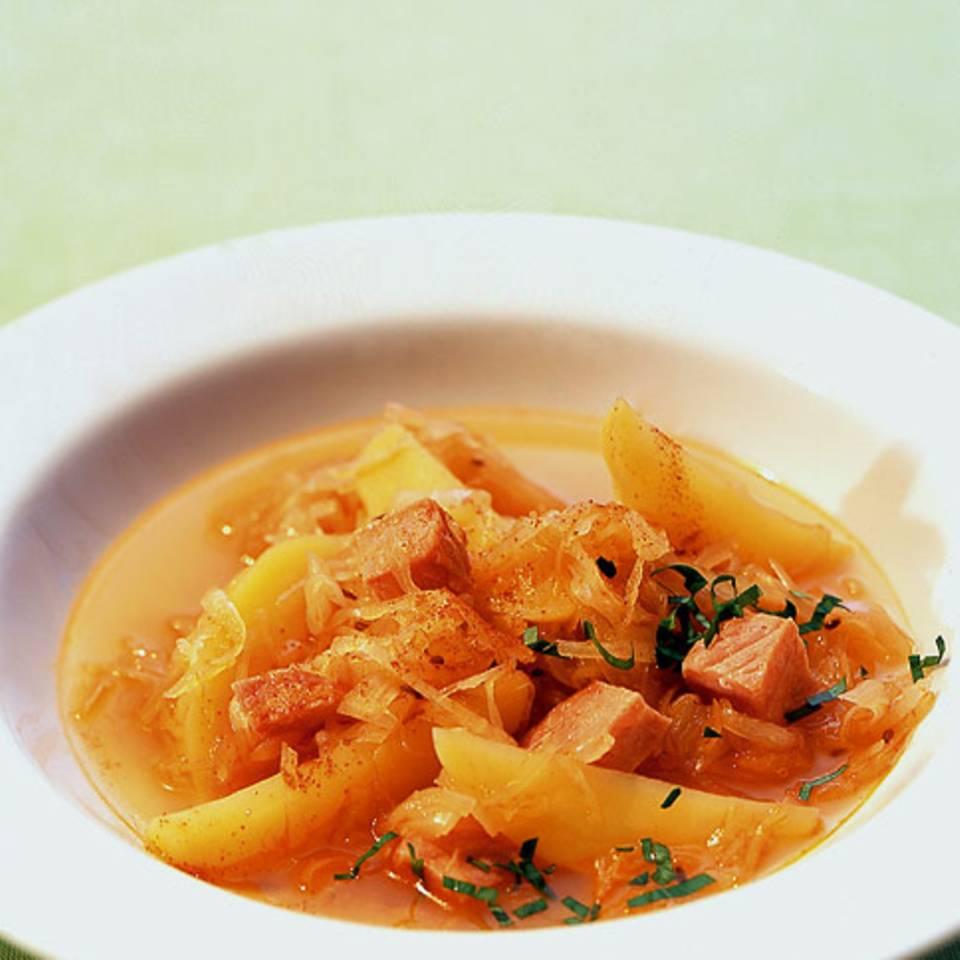 Sauerkrauteintopf mit Kasseler Rezept