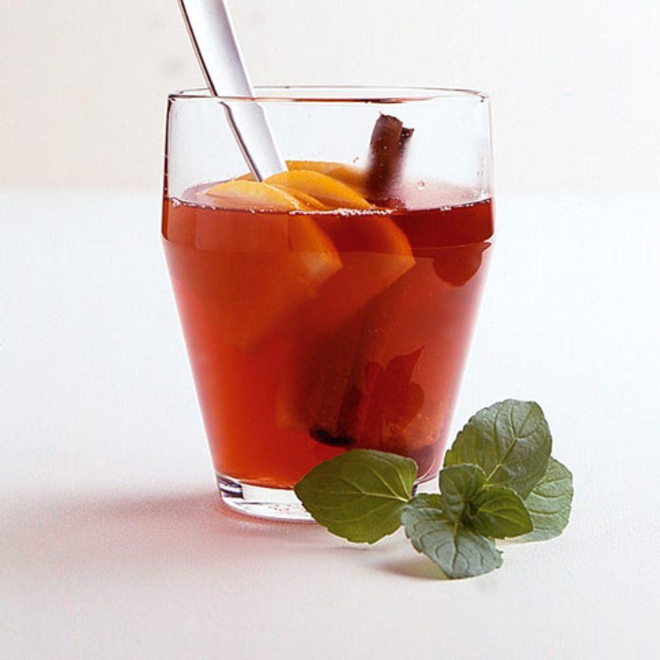 Rotwein-Orangen-Punsch
