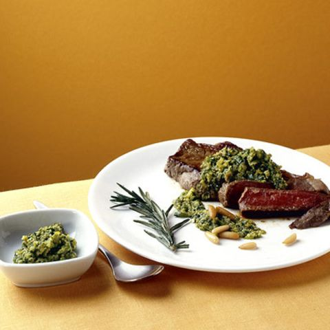 Rib-Eye-Steak mit Salsa verde