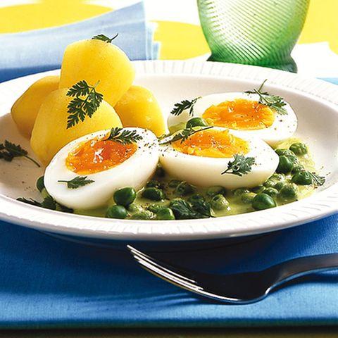 Eier in Erbsensauce