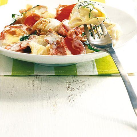 Tortellini mit Tomaten-Béchamel