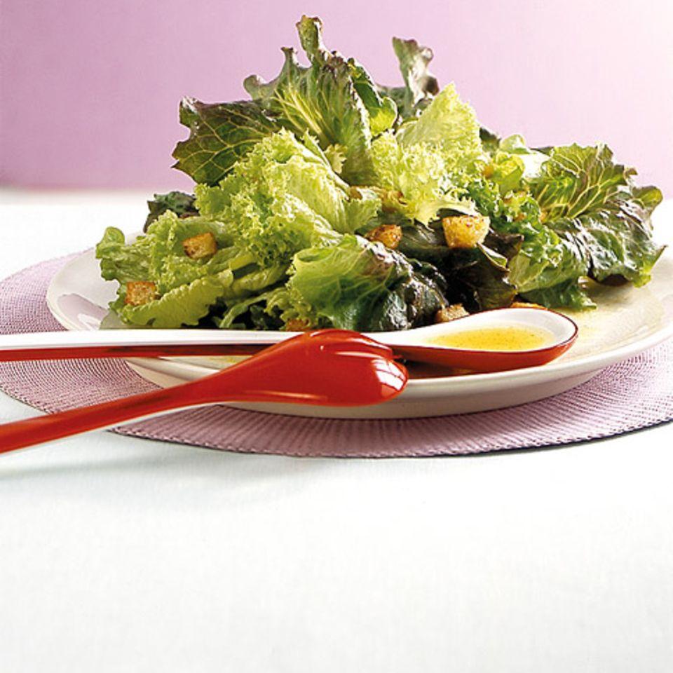 Blattsalate mit Zitronen-Vinaigrette