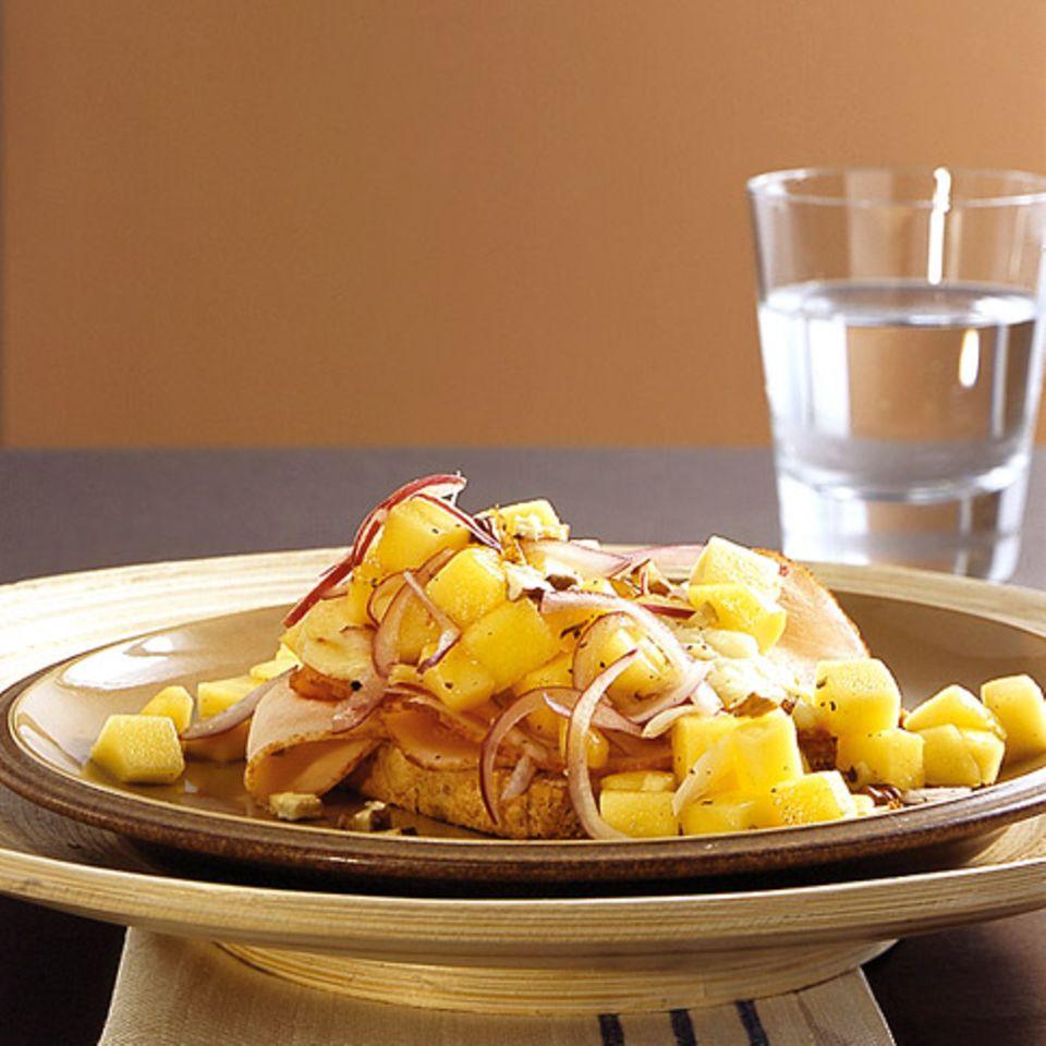 Hähnchen-Toasts mit Mango