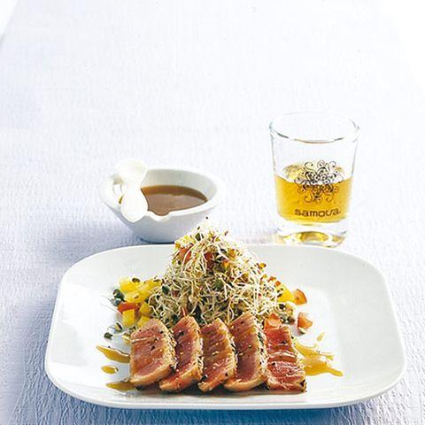 Thunfisch mit Sprossensalat