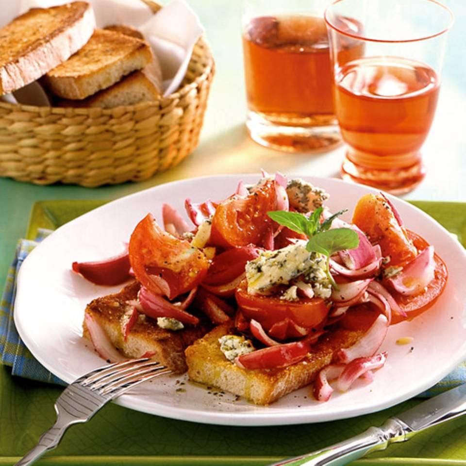Tomaten-Zwiebel-Crostini mit Stilton Rezept