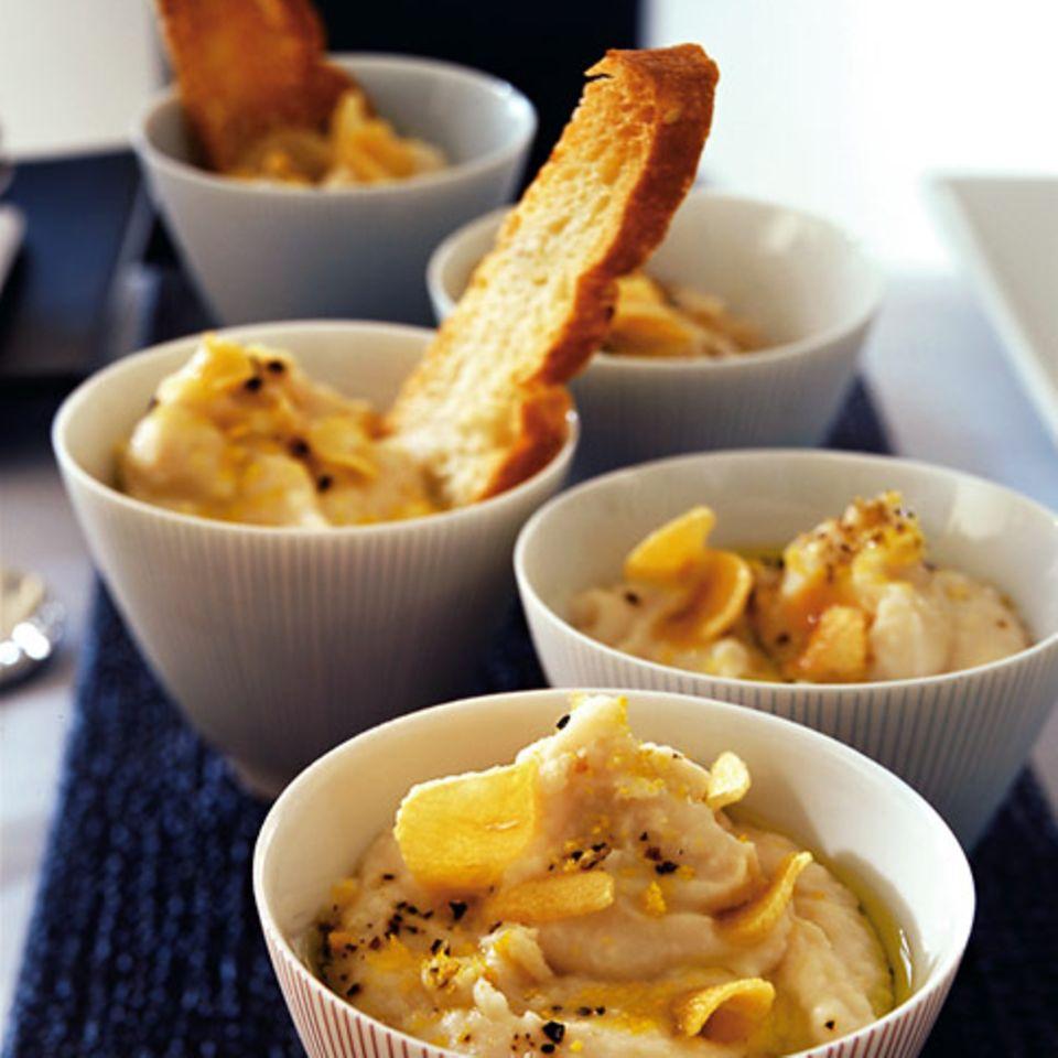 Bohnen-Joghurt-Püree mit Crostini