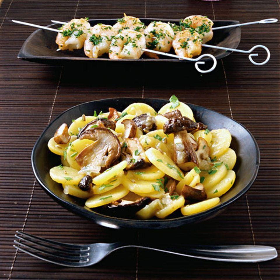 Steinpilz-Kartoffelsalat mit Garnelen