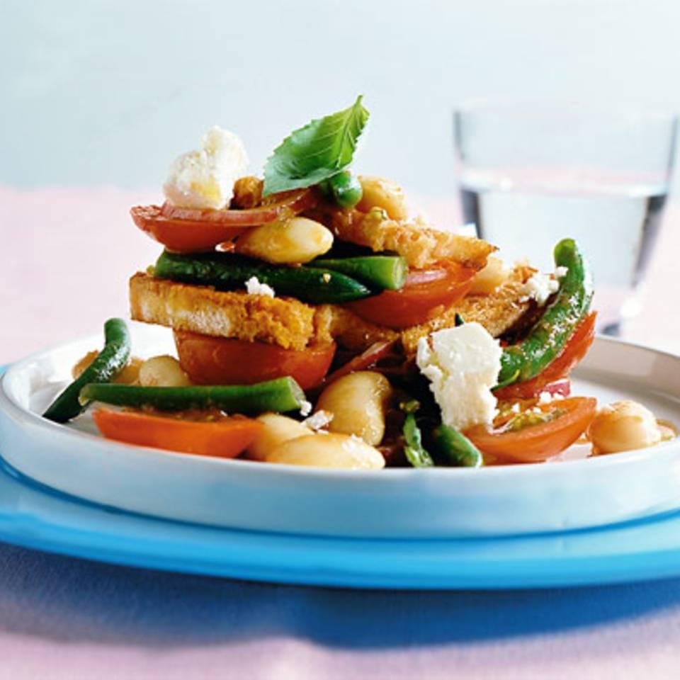 Bohnen-Brot-Salat Rezept