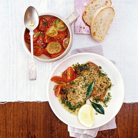 Kalbsrücken mit Tomatensalat