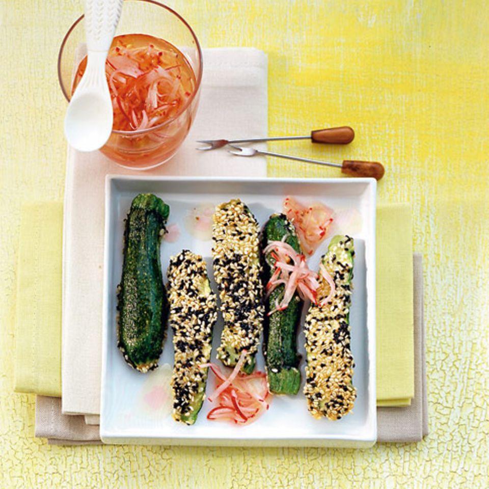 Sesamzucchini mit Radieschen