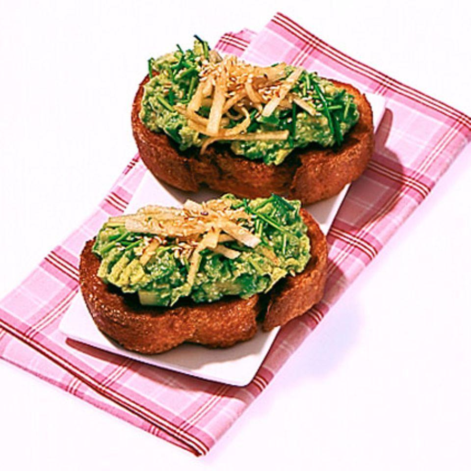 Crostini mit Avocado-Wasabi-Creme