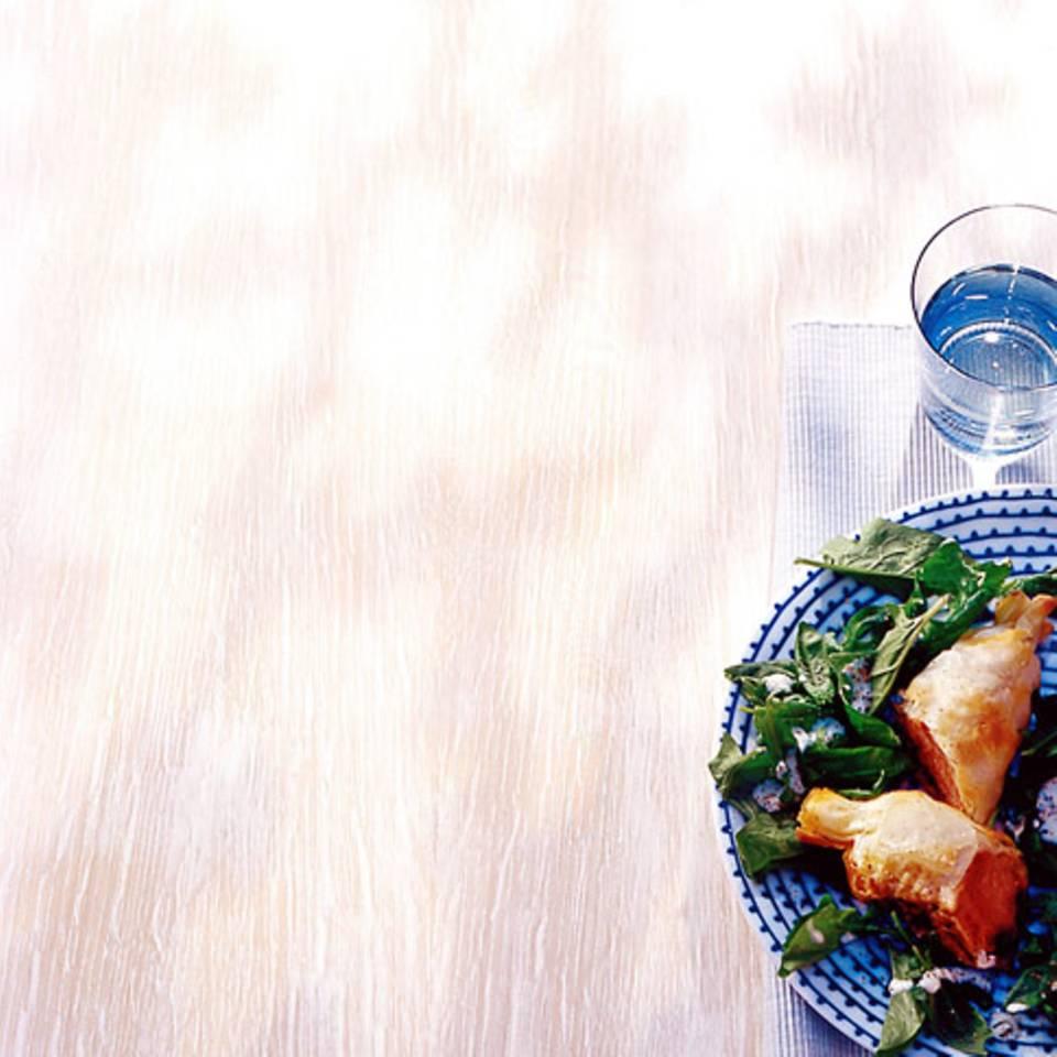 Lammfilet im Teigmantel mit Spinatsalat Rezept