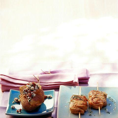 Gefüllte Hähnchenspieße mit Feta-Kartoffeln