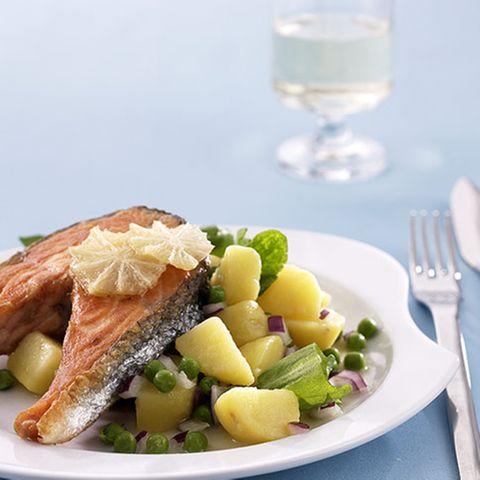 Lachs mit Sauerampfer-Kartoffelsalat