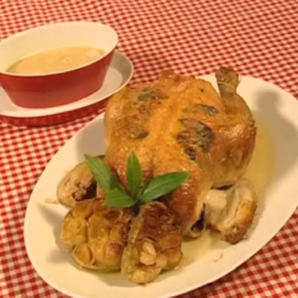 Salbei-Poularde mit Knoblauchsauce Rezept