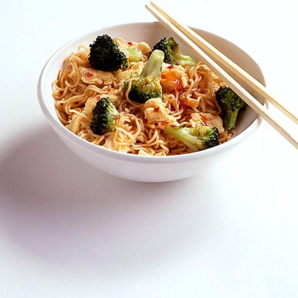 Bratnudeln mit Broccoli Rezept