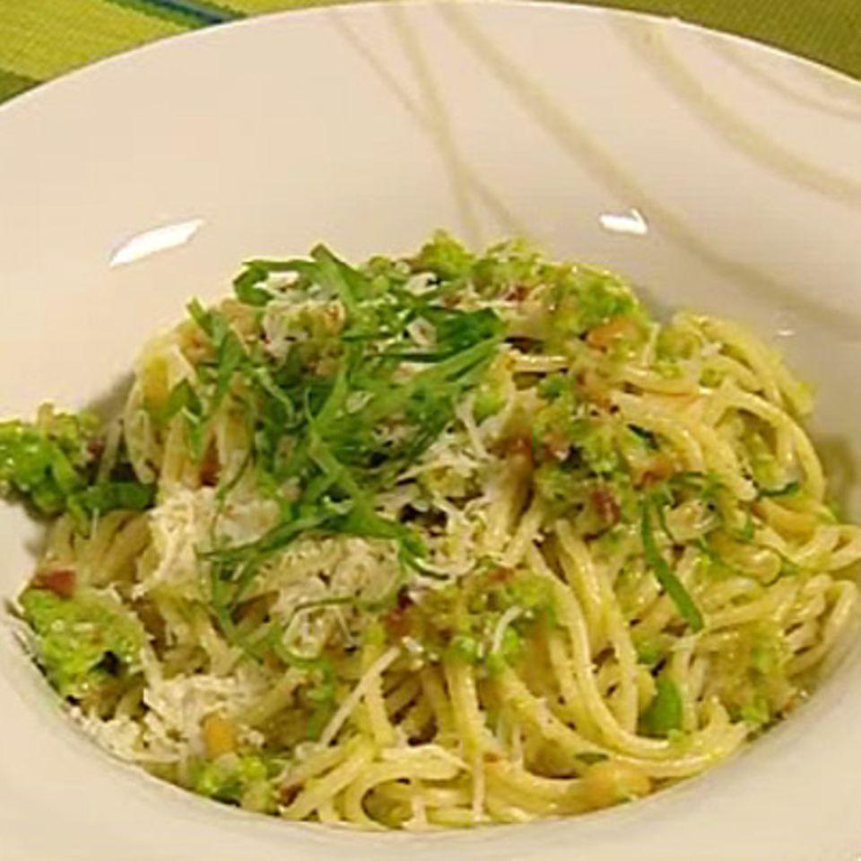 Spaghetti mit Bohnenpesto