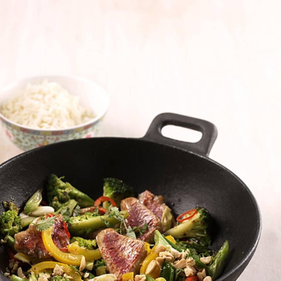 Wok-Gemüse mit Fisch Rezept