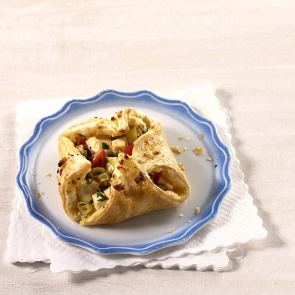 Mediterrane Blätterteigtaschen Rezept