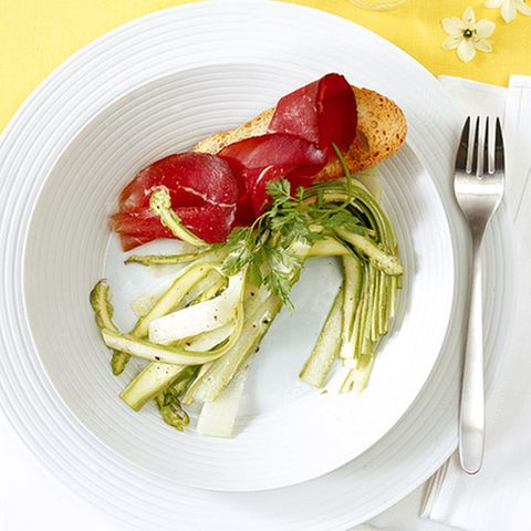 Spargel-Kohlrabi-Salat