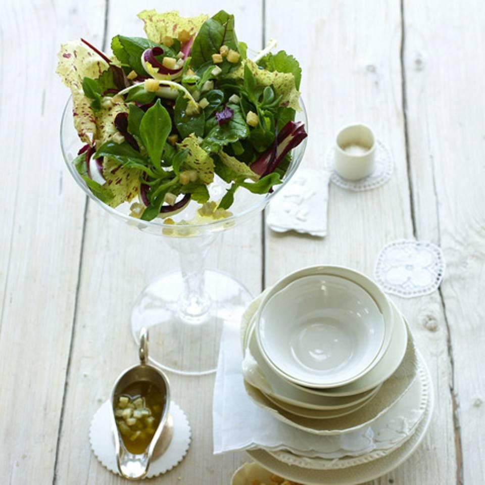 Blattsalat mit Artischockenvinaigrette Rezept