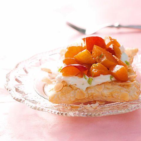 Aprikosen-Blätterteigschnitten