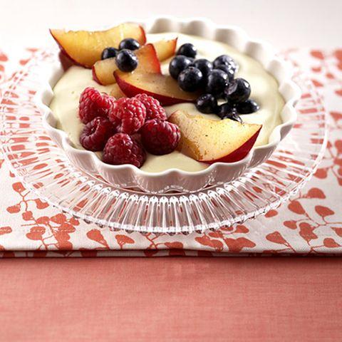Obst mit Puddingsahne