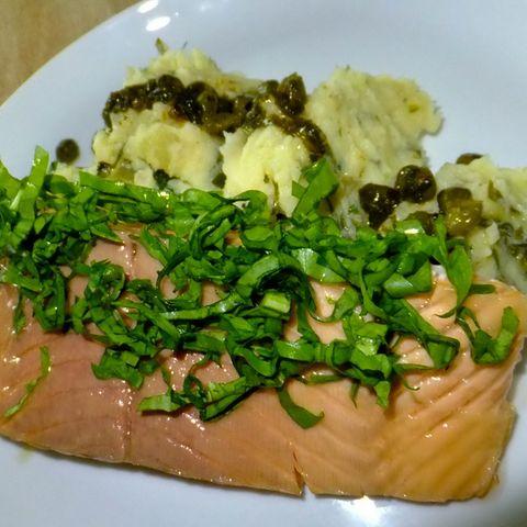 Lachs mit Kartoffel-Sauerampfer-Püree