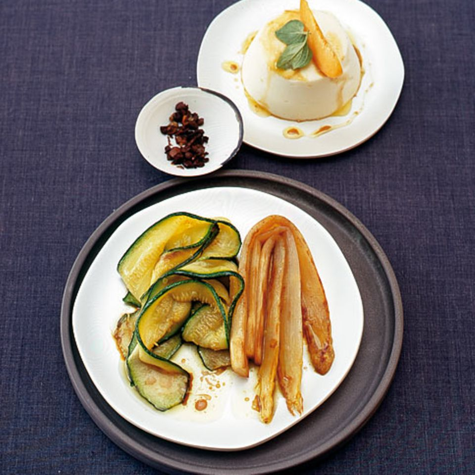 Spargelmousse mit Spargelsalat