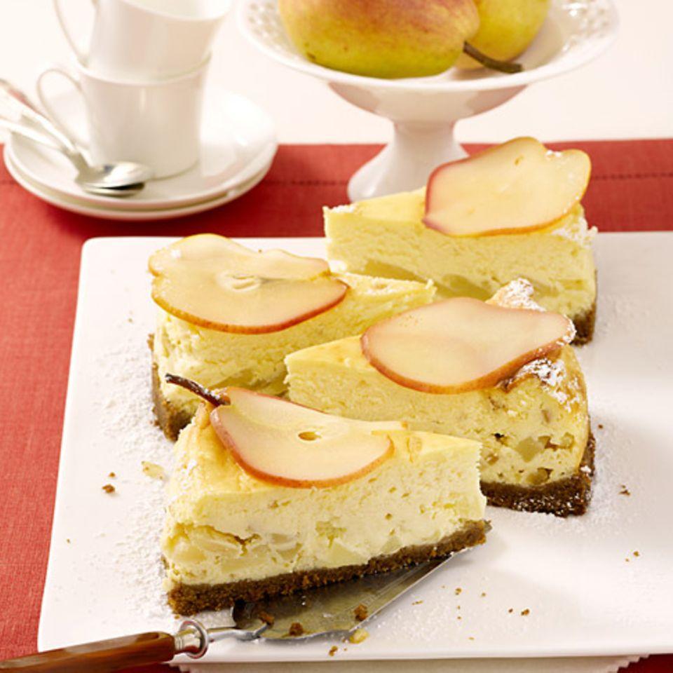 Birnen-Frischkäse-Torte mit Sauerrahm