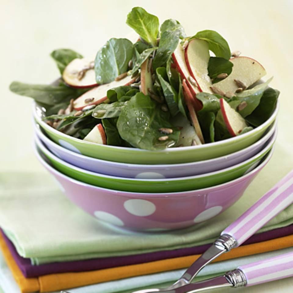 Feldsalat mit Äpfeln Rezept