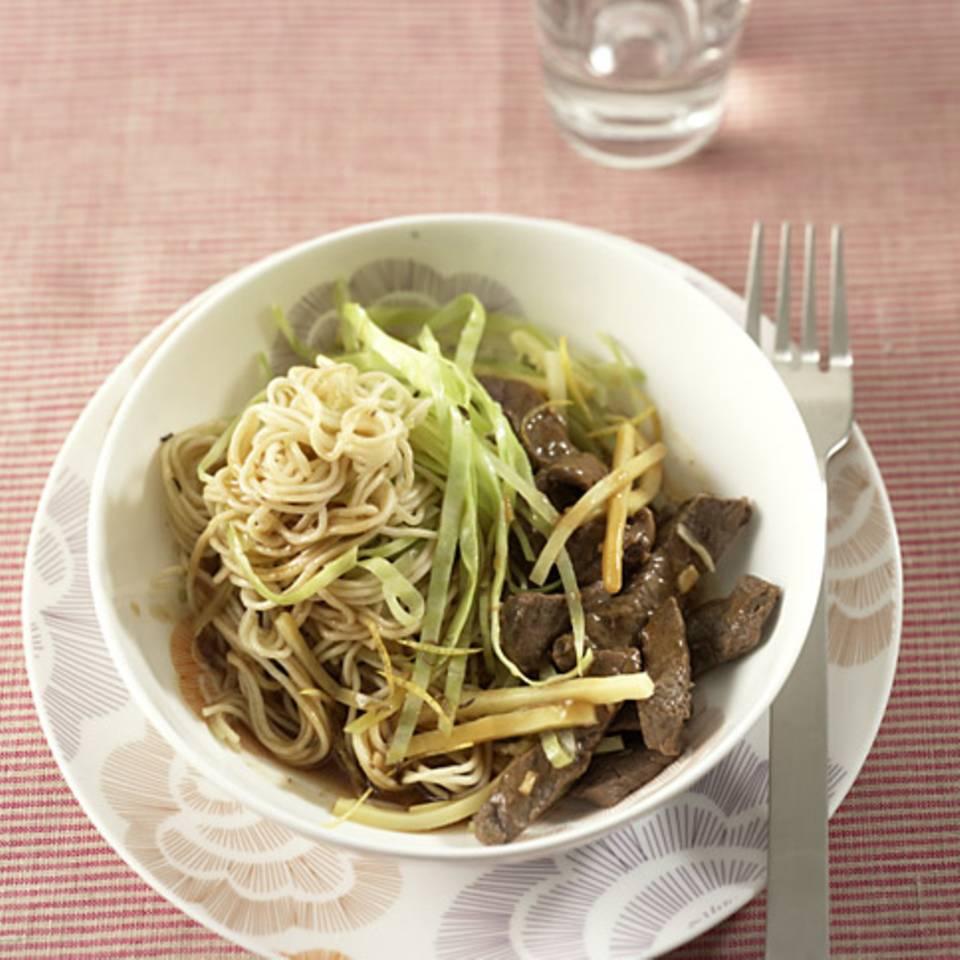 Chinesische Nudeln mit Rindfleisch Rezept