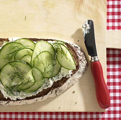 Kräuter-Frischkäse-Brot