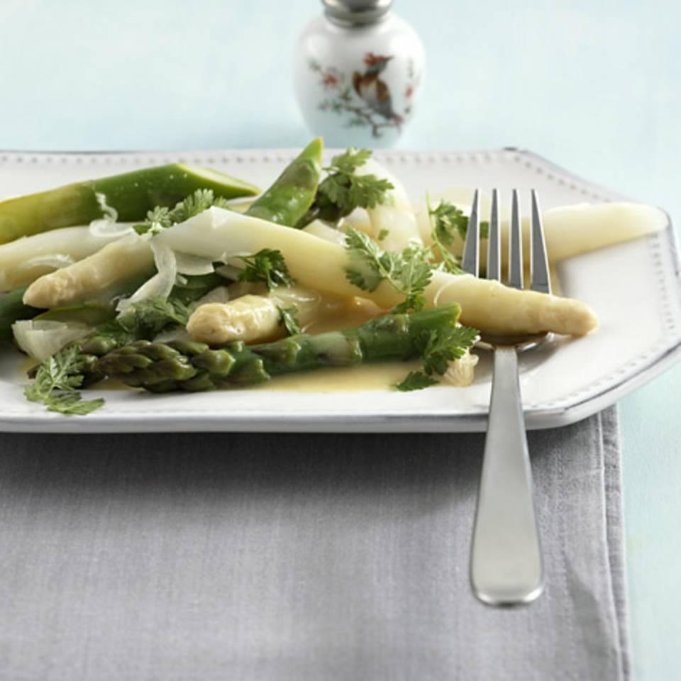 Spargelsalat mit Senf-Vinaigrette Rezept