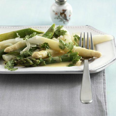Spargelsalat mit Senf-Vinaigrette