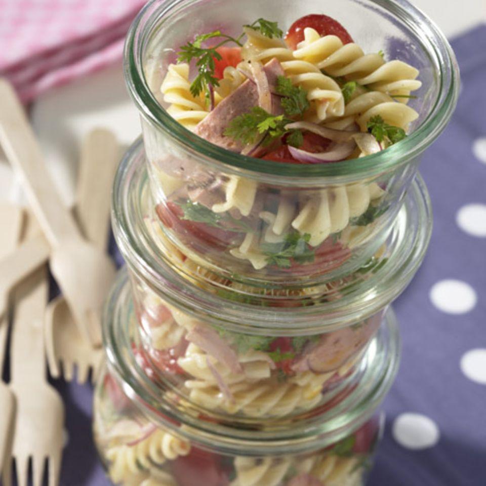 Nudel-Wurst-Salat