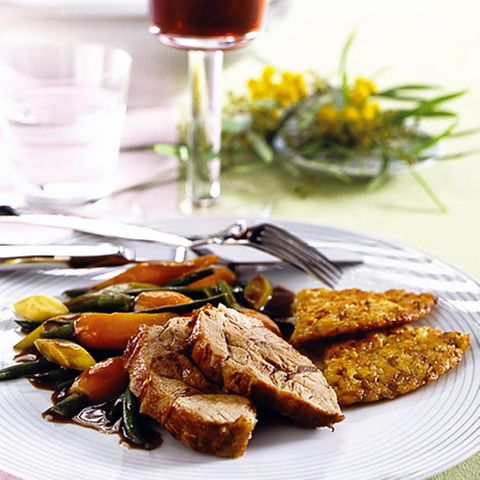 Kalbshaxe mit Rotwein-Gemüse