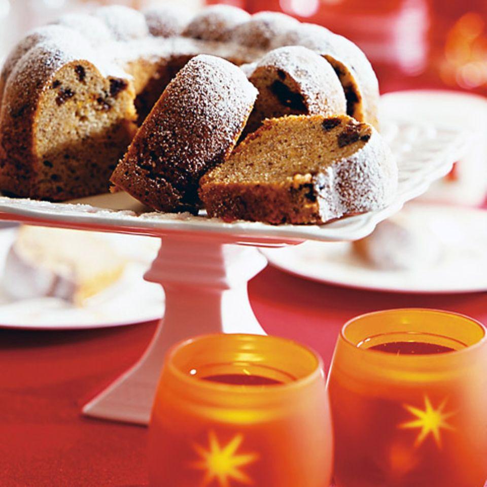 Haselnusskuchen mit Aprikosen