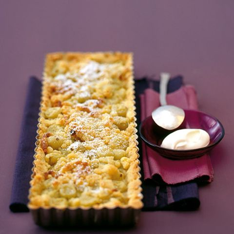Stachelbeer-Tarte mit Olivenölstreusel